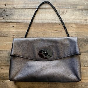 Large Turnlock Clutch in Metallic Leather